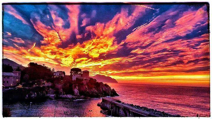 Alba al porticciolo di Nervi - Genova. Foto di Daniela Cherchi