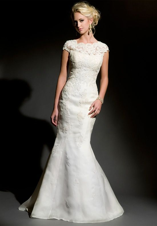 Lace mermaid dress with Bateau neckline from Eugenia