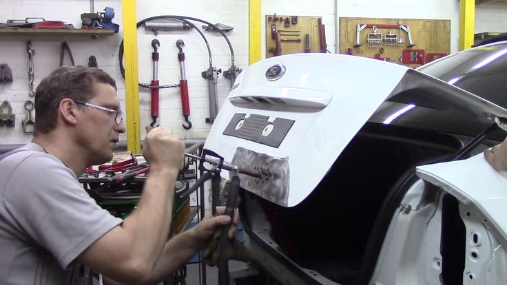 Кузовной ремонт. Делаем Форд Фокус по мелочи. Body repair.
