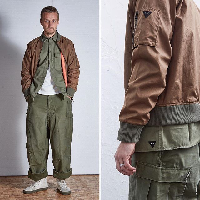 Wearing: (1) L34 Bomber in Dark Sand Issue #RE0049 (2) US Marine Shirt in Olive Twill Issue #RE0416 (3) Fatigue T-Shirt in Off White (4) Original M65 pant (5) @Vans Sk8-Hi Reissue  ••  #vintage #archive #militarian #originalspec #realmandempire #menswear #militaryinspired #summer #issuenumber #ss17 #collection #menswearstyle #ootdmen #mensweardaily #reissued #builttolast #inspired #japanese  #naval #parka #trouser #pant #deadstock #basics #graphic #sale #inspiration