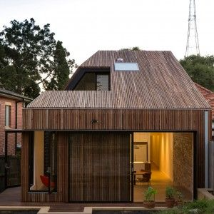 Cutaway+Roof+House+by+Scale+Architecture+has+a+courtyard+sliced+out+of+one+side