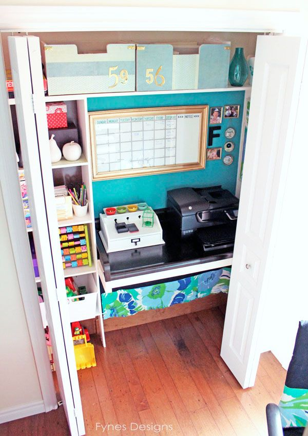 Turn a closet into a working space... Brilliant! fynesdesigns.com