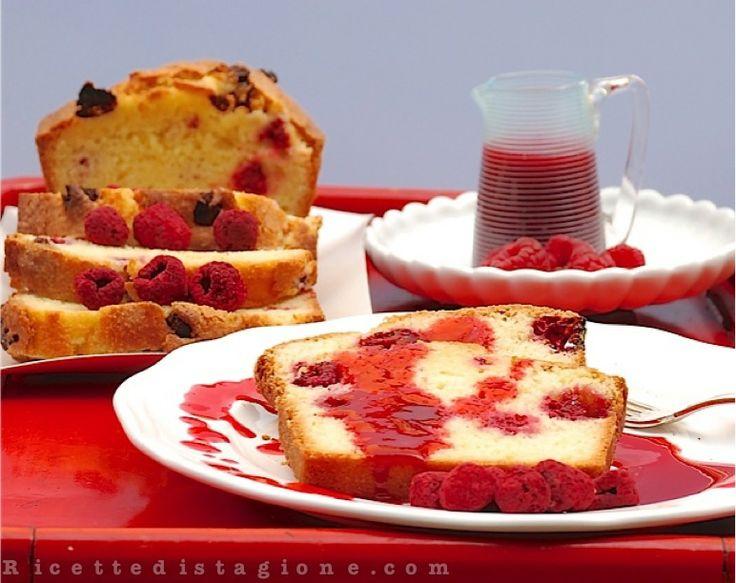 plumcake ai lamponi con salsa di lampone e zenzero