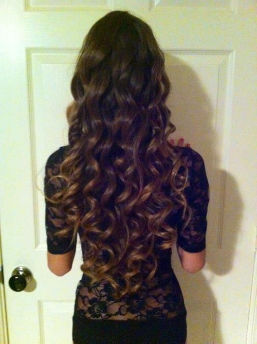 long hair curls (molly?)