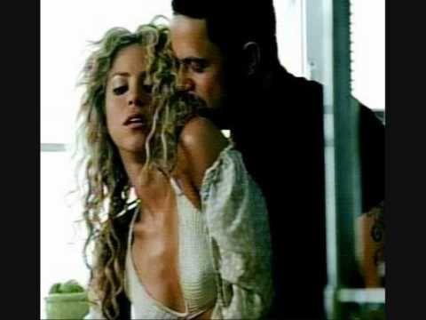 """""""No te vayas, no te vayas  Oye negrita Mira, no te rajes De lunes a viernes tienes mi Amor  Dejame el sabado a mi que es mejor"""""""