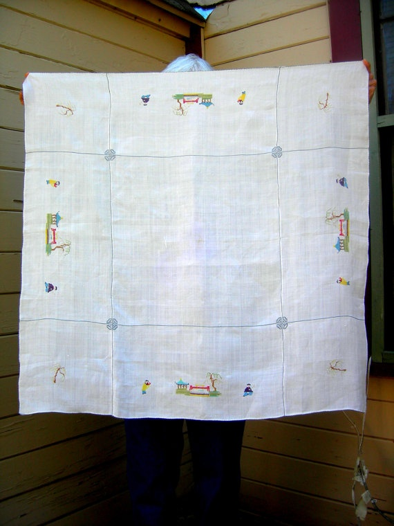 Vintage tablecloth embroidered cross stich japanese asian napkins vintage linens