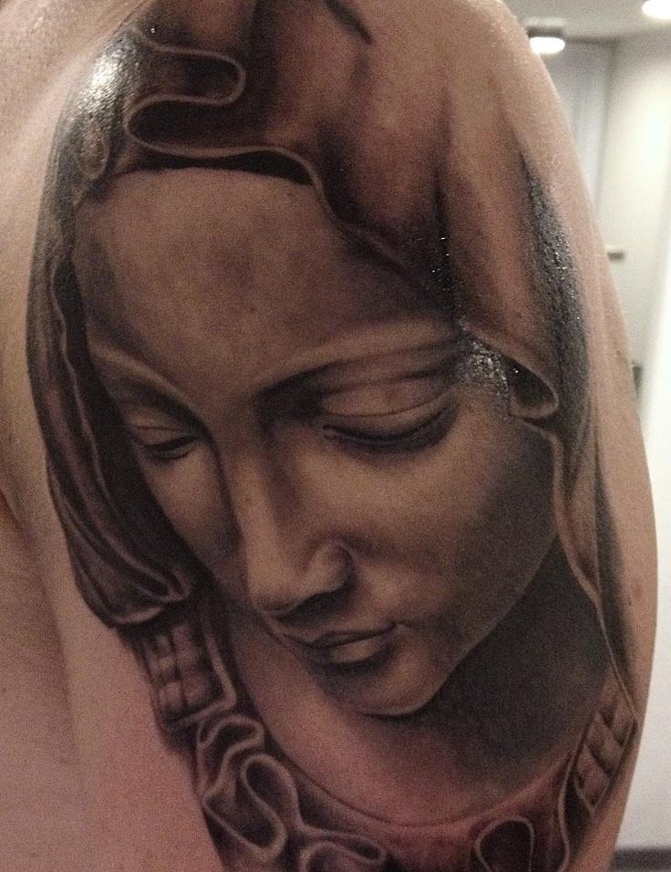 Tobi Heusel von Think Tattoos!