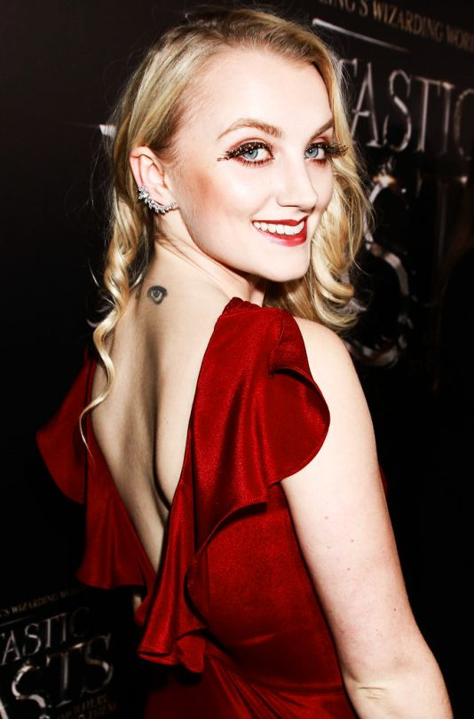 Evanna Lynch attends the Fantastic Beasts and Where to Find Them World Premiere, Alice Tully Hall, Lincoln Center, New York City, 10 Nov. 2016