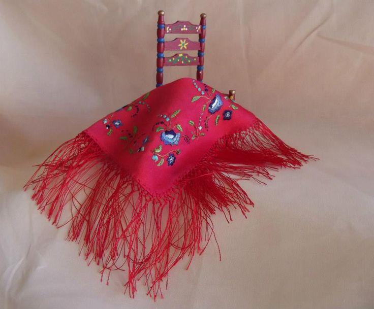Violeta Llaneza Estrada - embroidered silk shawl