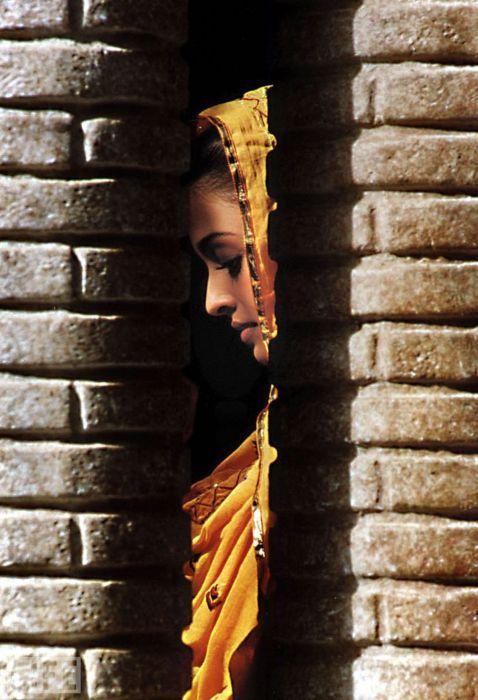 http://www.lokahinui.com  http://www.lokahinui.tumblr.com