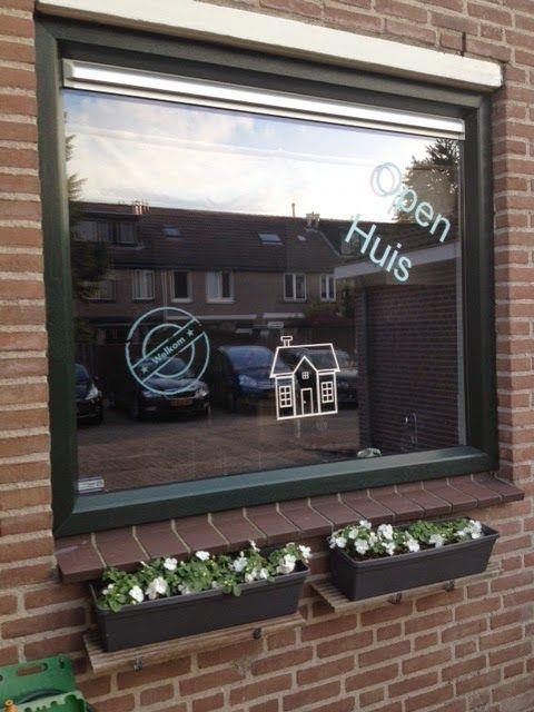 Jaliska:Vinylfolie op raam  Open huis