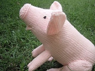 Knitted Pink Pig - Free Pattern - PDF Download