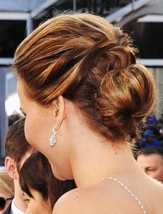 How to get the red carpet hairstyle - Chignon bun like Jennifer Lawrence. Celebrity hairstyle.