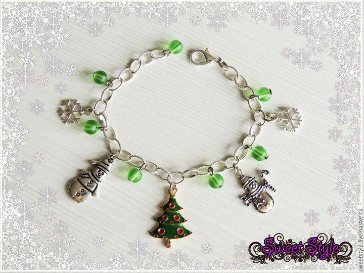 Купить Новогодний браслет с подвесками - новогодний подарок, новогодний браслет, новогодний сувенир, новогоднее украшение