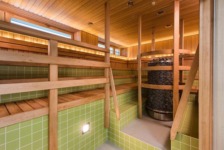 Läsnamäen ekosauna osoitteessa Pae 19 on yleinen sauna- ja kylpypaikka. Paikallisten suosimassa saunassa on erikseen saunatilat miehille ja naisille. Pesutilat ovat raikkaat. Saunoa voi 2,5 tuntia kerrallaan. Myös lisätunnit ovat mahdollisia. Saunaosasto soveltuu myös liikuntarajoitteisille. Paikassa on mahdollisuus vihtomiseen ja hierontoihin. Ekosaunasta löytyy myös kahvila sekä kauneusstudio. #eckeröline #eco #sauna #tallinn #tallinna