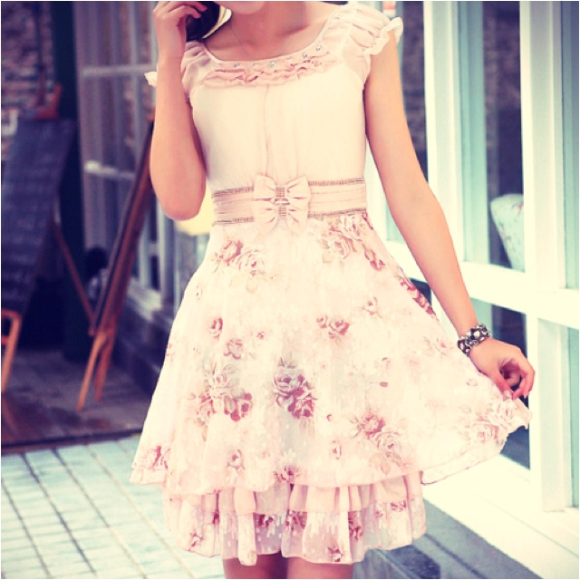 i want this....soooooo BAD: Summertime Style, Spring Dresses, Floral Patterns, Dreams Closet, In Fashion, Girly Things, Fashion Lov, Punk Accessories, Adorable Outfit