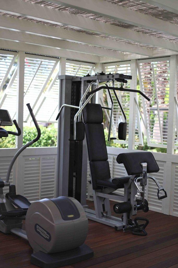 17 meilleures id es propos de salles de sport sur. Black Bedroom Furniture Sets. Home Design Ideas