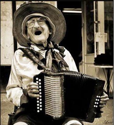 I just love sassy ladies! ♫ Oh, oh, moja droga jacie kocham, means that I love you so...♪