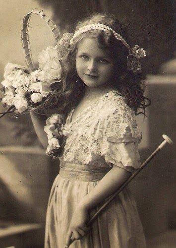 Vintage Rose Album: Girl