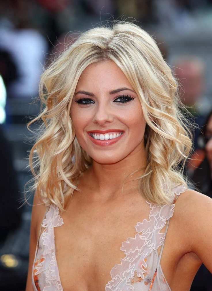 Love this hairstyle-   Mollie King