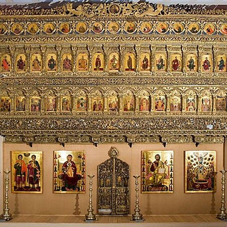 Iconostasul – scurt istoric și repere dogmatice (Ilinca Damian) http://societatesicultura.ro/2012/03/iconostasul/