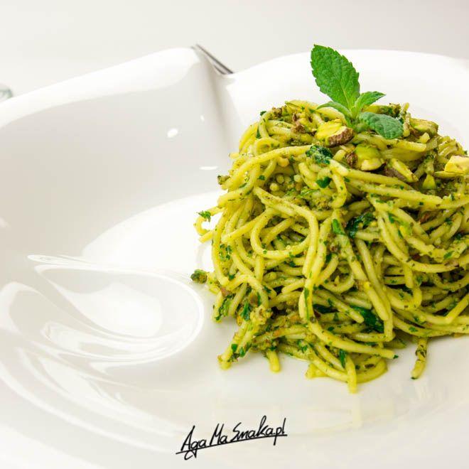 weganskie-ekspresowe-spaghetti-z-pistacjowo-mietowym-pesto-17