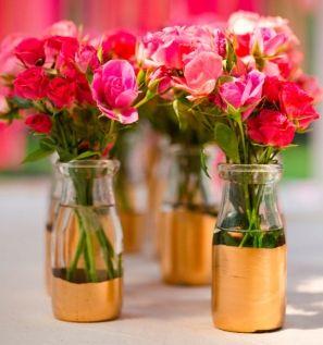 arranjos de flores vermelhas para casamento dourado