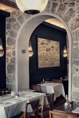 RESTAURANT JAN | Restaurant Interior - Tables, walls, lighting etc. | Nice, France #onemichelinstar