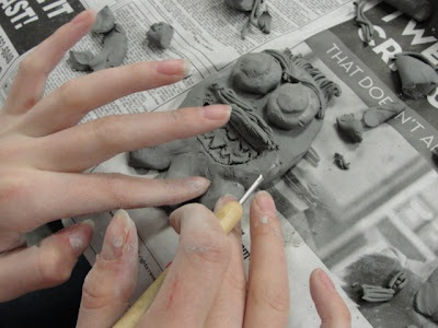 Great Idea! Elementary students design and draw a monster and high schoolers make them in clay! Love it :): Art Therapy, High Schooler, Schools Auction Projects, Clay Monsters, High Schools Ceramics, Kindergarten Class, Schools Art, Apex High, Monsters High