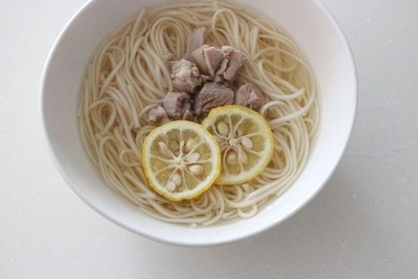 鶏塩柚子うどん。 by 栁川かおり | レシピサイト「Nadia | ナディア」プロの料理を無料で検索