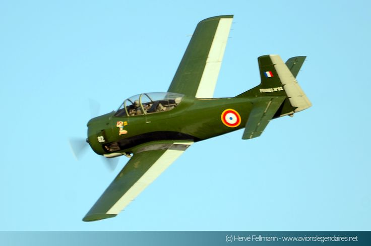 Meeting aérien de Haguenau 2015 - French North American T-28 Fennec (Trojan) ground attack/C.O.I.N. aircraft, used extensively in France's North African wars and Indochina (Vietnam).