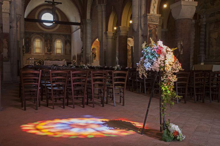Addobbo floreale della chiesa #matrimonio