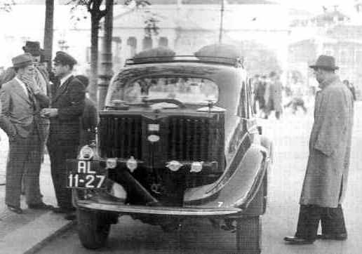 "Rossio, táxi a ""gasogénio"", 1942"