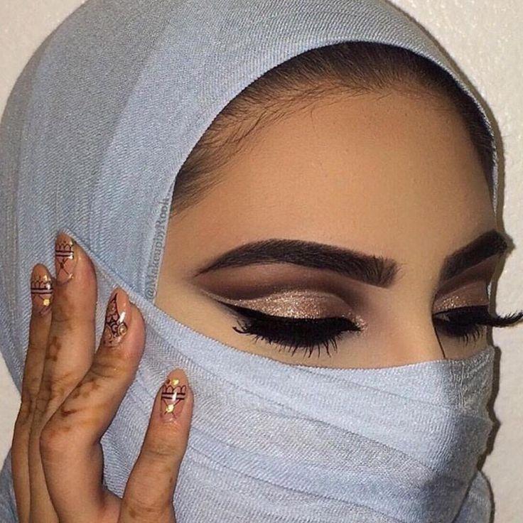 @makeupbyrooh