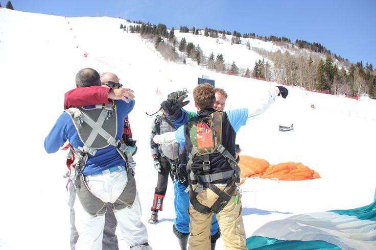 Baptême saut en parachute et chute libre à Courchevel au-dessus des 3 Vallées. Idéal pour vacanciers ou saisonniers de la station de sports d'hiver !