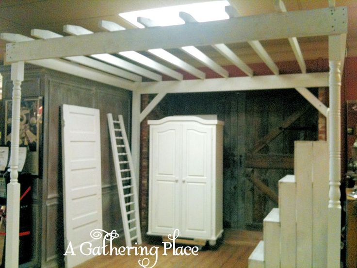 ~MY WHITE PAINTED WOOD PERGOLA BOOTH SPACE~