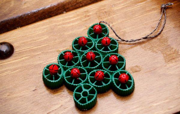 Alberello di Natale con pasta e bottoni