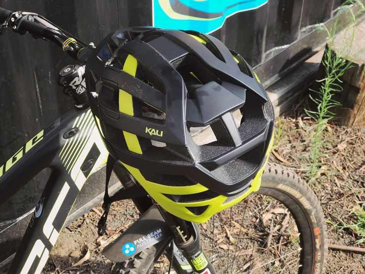 TESTED: Kali Protectives Interceptor Helmet http://tyresandsoles.com/2017/03/26/tested-kali-protectives-interceptor-helmet/ When it comes to purchasing helmets these days, especially for Enduro or Downhill, you want as much protection as you can possibly get. Check out the review of the Interceptor helmet from Kali protectives. #tyresandsoles #kaliprotctives #mtb #mtblifestyle @mtbhelmets #productreviews #blogger #bestmtbhelmets #enduro #downhill