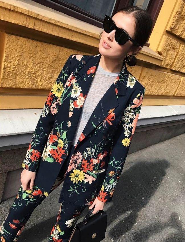 Ce printemps, on pense à s'essayer au costume floral