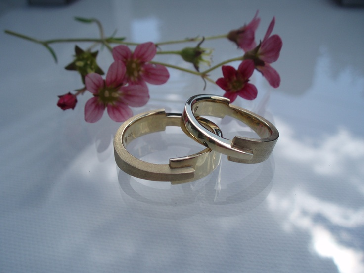 """Equilibrium"" wedding rings in 14K yellow gold, made by Jewellerydesigner Ailin Roelvaag. #weddingrings #gold #custommade #handmade #equilibrium"