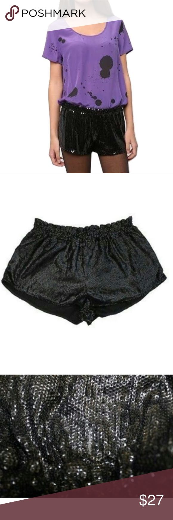 """🆕 Silence + Noise Black Sequin Tap Shorts NWOT 🔸Silence + Noise Sz M Black Sequin Tap Shorts NWOT🔸Size Medium🔸Sold at Urban Outfitters🔸Adorable black sequin tap shorts🔸 Size M🔸Made in the USA 🔸Semi sheer🔸Elastic waist🔸Length 10""""🔸Black lightweight lining🔸 These shorts are super versatile🔸NWOT Urban Outfitters Shorts"""