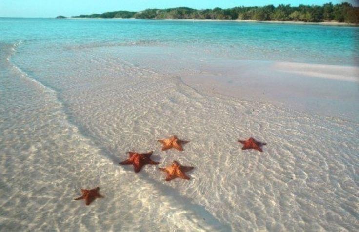 Bella playa y hermoso paisaje...mi República Dominicana!!