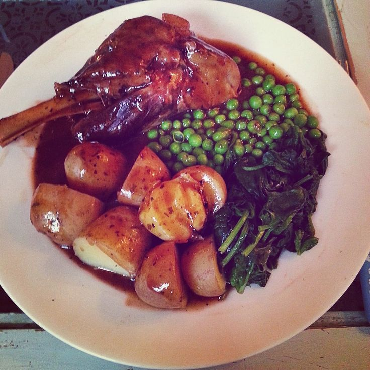 My Slimming World Adventure: Dinner for two: Lamb Shanks in Minted Gravy
