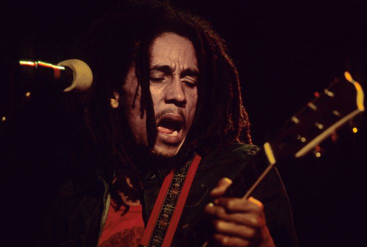 It was no secret Bob Marley had a deep passion for soccer. He would bring a ball with him on every tour and start pickup games. Soccer star Alan Cole reportedly firmly believed Marley could have been a highly successful professional soccer player, but he refused to play on that level because of his love for music. (Photo by Anwar Hussein/Getty Images)  via @AOL_Lifestyle Read more…