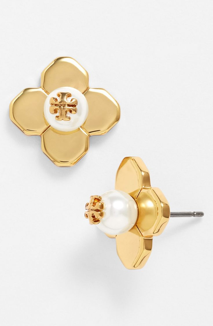 Such captivating gold and faux pearl stud earrings! Love the addition of the tiny Tory Burch logo.