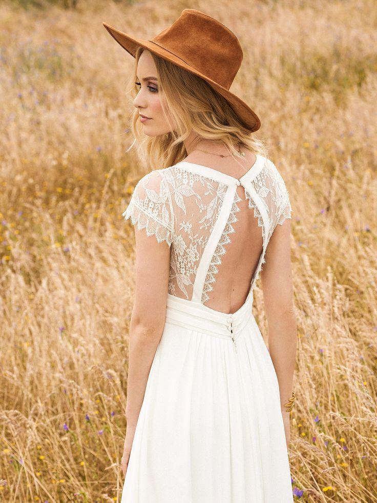 Vestidos de novia de Rembo Styling colección 2017. Eva Novias Madrid. #weddingdress #bridalfashion #bridalinspiration #collection 2017 #rembostyling #evanovias #vestido #novia #bohochic #vintage