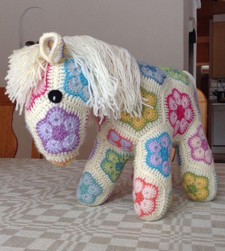 Crochet African Flower Horse Pattern : Mas de 17 imagenes excelentes sobre African flowers en ...
