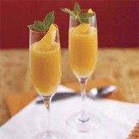 Recept Mimosa Champagne cocktail met sinaasappels.