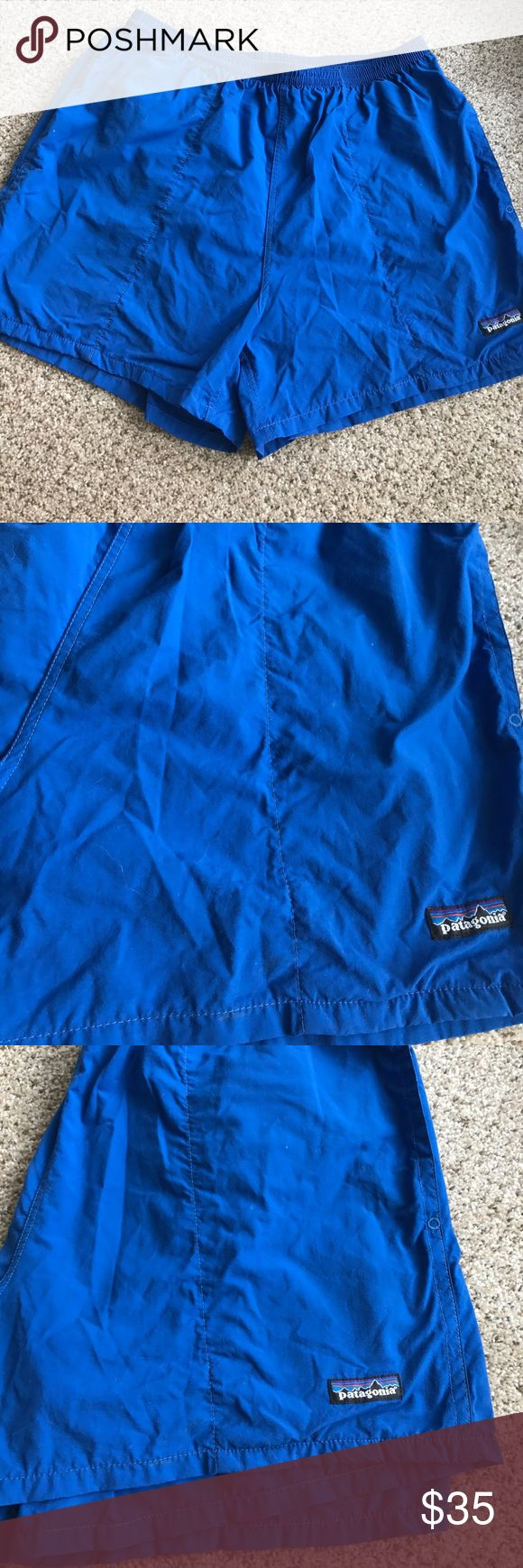 Vintage Patagonia royal blue swim shorts size XL Size XL. Patagonia vintage. Side pockets and pocket on the right back pocket. Great condition Patagonia Shorts