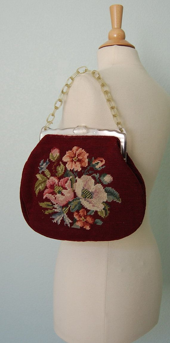 1950s Needlepoint Handbag with Plastic Frame di KittyGirlVintage